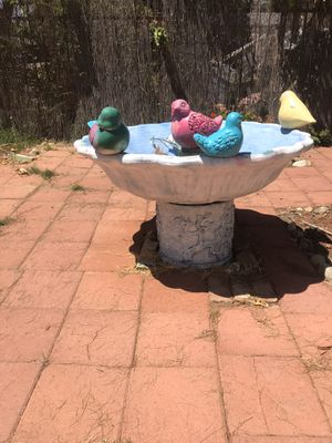Vintage big cement fountain for Sale in Los Angeles, CA