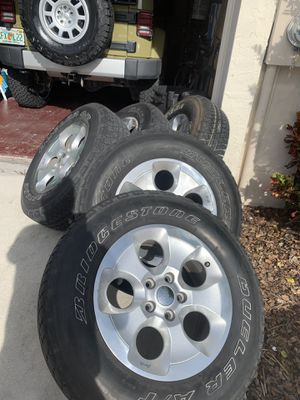 Jeep. JK Sahara OEM wheels and tires 255/70/18 for Sale in Miami, FL