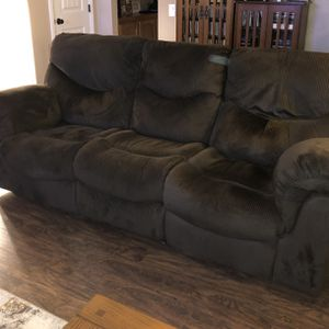 Reclining Sofa In Excellent Condition for Sale in Lemon Grove, CA