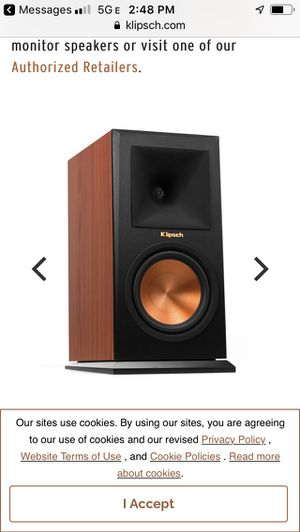 Klipsch RP160M bookshelf speakers brown wood cabinet. $399 on Amazon for Sale in Wheeling, IL
