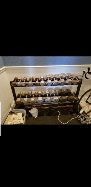 Set of dumbbells between 5 to 40 for Sale in Pembroke Pines, FL