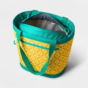 Pineapple Cooler Tote- Holds 12 Cans for Sale in Washington, DC