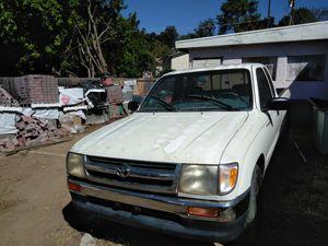 Toyota Tacoma 97 automatica for Sale in Vista, CA
