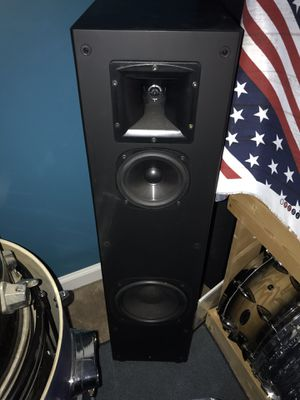 KLIPSCH 5 piece surround sound system sp1 ss1 sc1 for Sale in Goose Creek, SC