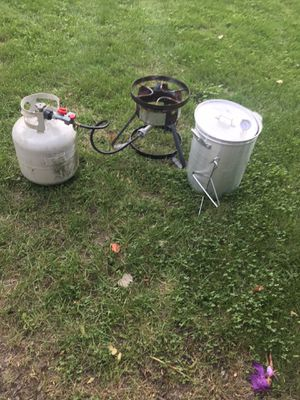 turkey fryer burner with gas tank for Sale in St. Charles, IL