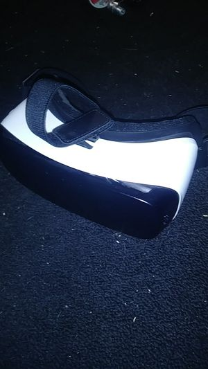 Samsung gear vr goggles for Sale in Garden Grove, CA
