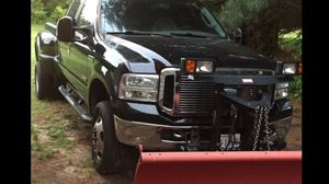 Ford F-350 06 220 millas working good con dition $15.000 for Sale in Hyattsville, MD
