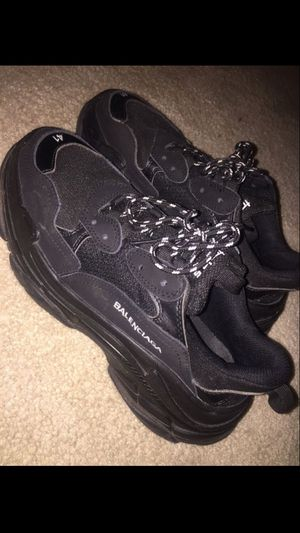 balenciaga sz 8 for Sale in Clarksburg, MD