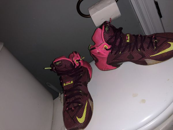 836ed535073 Nike Lebron 12 pink and purple for Sale in Holly Springs
