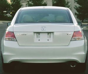 White Sedan One owner Honda Accord receipts, power everything for Sale in St. Louis, MO