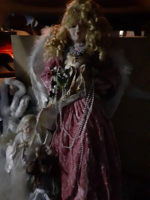 Procline dolls glass make offer for Sale in Long Beach, CA