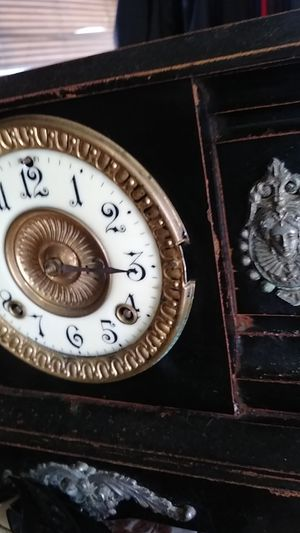 Antique clock for Sale in Edmonds, WA