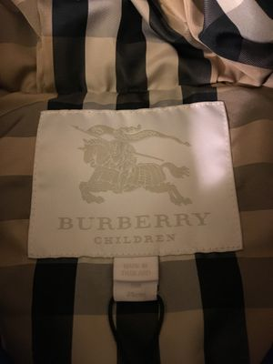 NEW Infant Burberry puffer coat size 9 mo for Sale in Los Angeles, CA