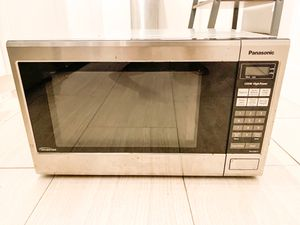Kitchen Microwave for Sale in Brooklyn, NY