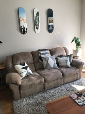 Dual Recliner Sofa - Excellent Condition for Sale in Philadelphia, PA