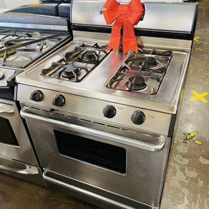 Gas Stove for Sale in South Gate, CA