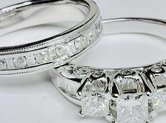 Diamond Engagement & Wedding Set Anniversary Set 2.60 Carats Princess Diamonds 14 K White Gold Gemological Institute Lab Appraisal $8600 Now $3960 for Sale in Fort Lauderdale,  FL