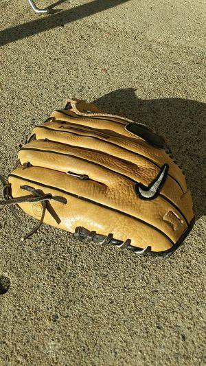 Nike baseball glove for Sale in Oceanside, CA