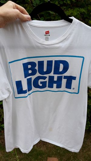 Bud light size medium shirt. Free. for Sale in Tulalip, WA
