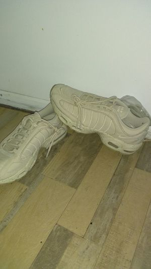 $180.00 NIKE AIR MAX 99 for Sale in Glenn Dale, MD