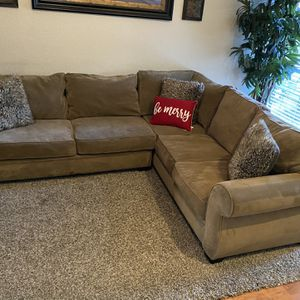 Brown Sectional Sofa for Sale in Fort Worth, TX