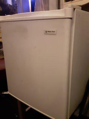 Mini fridge Magic Chef for Sale in Downey, CA
