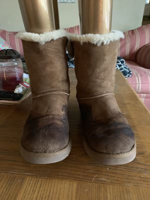 Woman's uggs for Sale in Detroit, MI