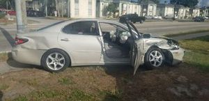 Lexus ES 300 (part out) for Sale in Tampa, FL