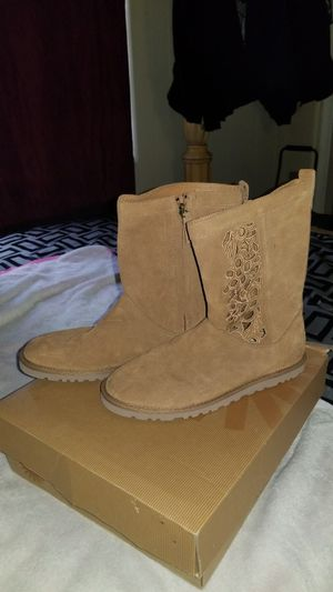 Ugh Australia Boots for Sale in Oxon Hill, MD