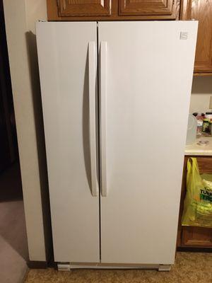 Kenmore side by side refrigerator for Sale in Onalaska, WI