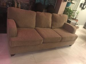 Couch (sofa) for Sale in North Las Vegas, NV
