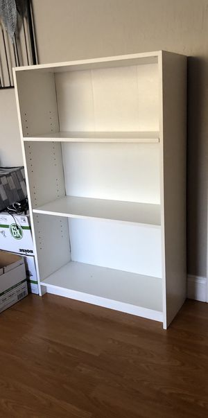 White bookcases book shelves for Sale in Pleasanton, CA