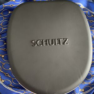 Schultz wireless headphones for Sale in St. Louis, MO