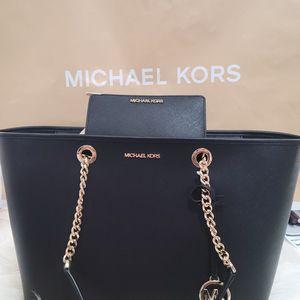 Set Michael Kors for Sale in Phoenix, AZ
