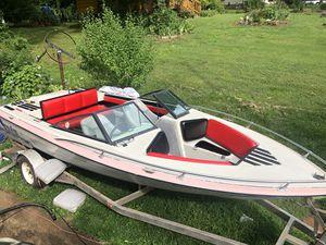 Trade for Pontoon,Deck, or cabin boat!!!! 1988 Dixie Super Skier 199 5.7liter V8 engine!! for Sale in Clover, SC