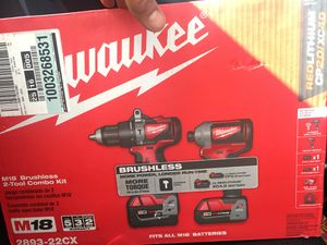 Milwaukee hammer drill/ impact driver combo for Sale in Joint Base Pearl Harbor-Hickam, HI