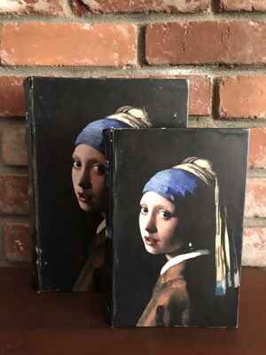 "VERMEER ""Girl with the Pearl Earring"" Faux Book Stash Box Set for Sale in Alameda, CA"