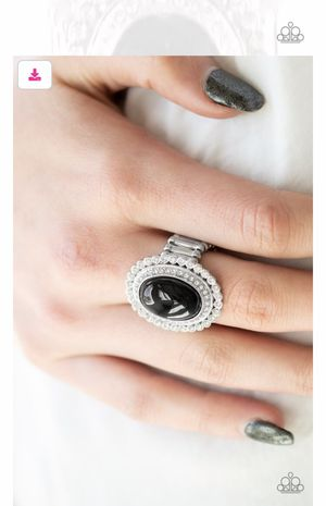 Paparazzi ring. for Sale in Bell, CA