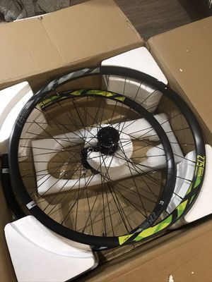"""GIANT XC1, 27.5"""" ALLOY 6 BOLT DISC TUBELESS READY WHEELSET BOOST HUBS for Sale in Mount WASHING, OH"""