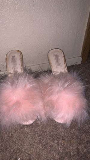 Fluffy heels for Sale in Auburn, WA