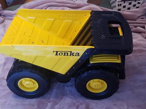 """TONKA Earth Mover Dump Truck 2007, C-239A Steel and Plastic Large 20"""" x 12"""" x 12"""" Well Used, Clean, Fully Functional for Sale in Nashua, NH"""