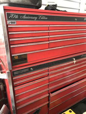 Snap-On 70th anniversary tool box mechanic rolling box in good condition with key mechanic mechanical auto repair tools for Sale in El Cajon, CA