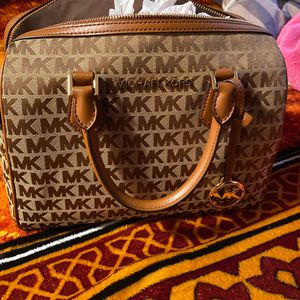Mk Handbag Brown for Sale in Austin, TX