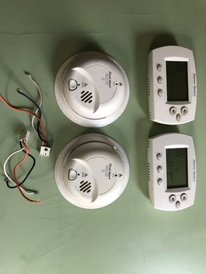 Smoke and carbon monoxide and thermostat for Sale in Chicago, IL