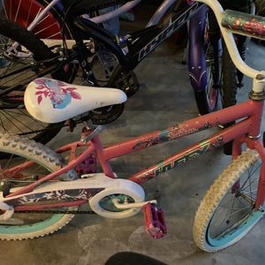 Girls Huffy Bicycle for Sale in Beaverton, OR