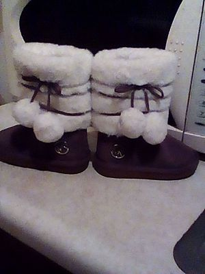 Girl mk boots for Sale in Lexington, KY