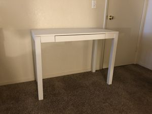 White Wooden Desk for Sale in Stockton, CA