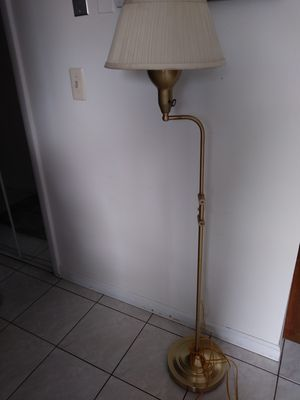 Adjustable floor lamp for Sale in Sterling Heights, MI