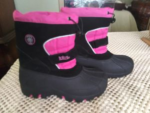 NEW 5Y MEDIUM ADVENTURE GEAR TOTE WINTER BOOTS from Kohls for Sale in Tarpon Springs, FL