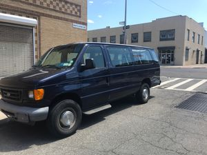 Ford E-350 van for sale (great condition) for Sale in New York, NY